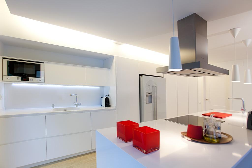 16 hermoso cocinas blancas lacadas fotos cocina a - Cocina blanca mate o brillo ...